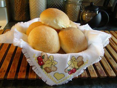 Mennonite Girls Can Cook: Flashback Friday - Einback (Plain Buns)