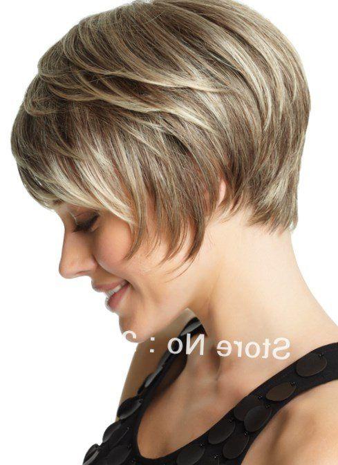 Ich habe dir ein Foto von einer ähnlichen Frisur angehang. Ist ein Bob, der hinten kürzer als die kinnlangen Haare vorne. Nur mut :)