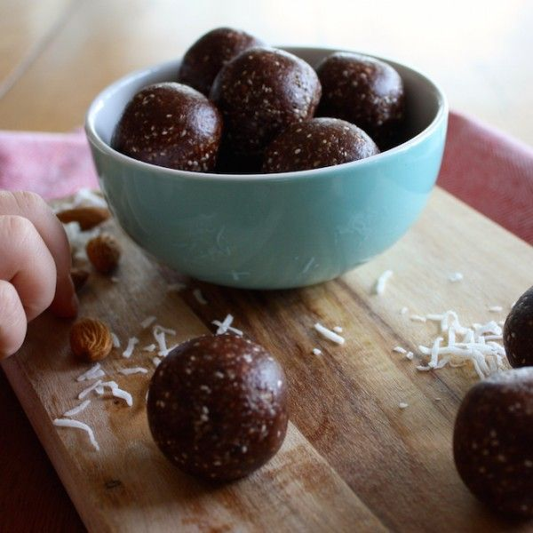 I experimented with a new method of making bliss balls today and they came up a treat! My kids are far more likely to eat them if they aren't too 'nutty'. The smoother the consistency the better. So I ground the almonds first. Small thing but made a big difference....