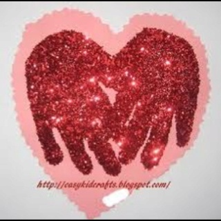 Glitter handprints via Easy Preschool Crafts for Kids