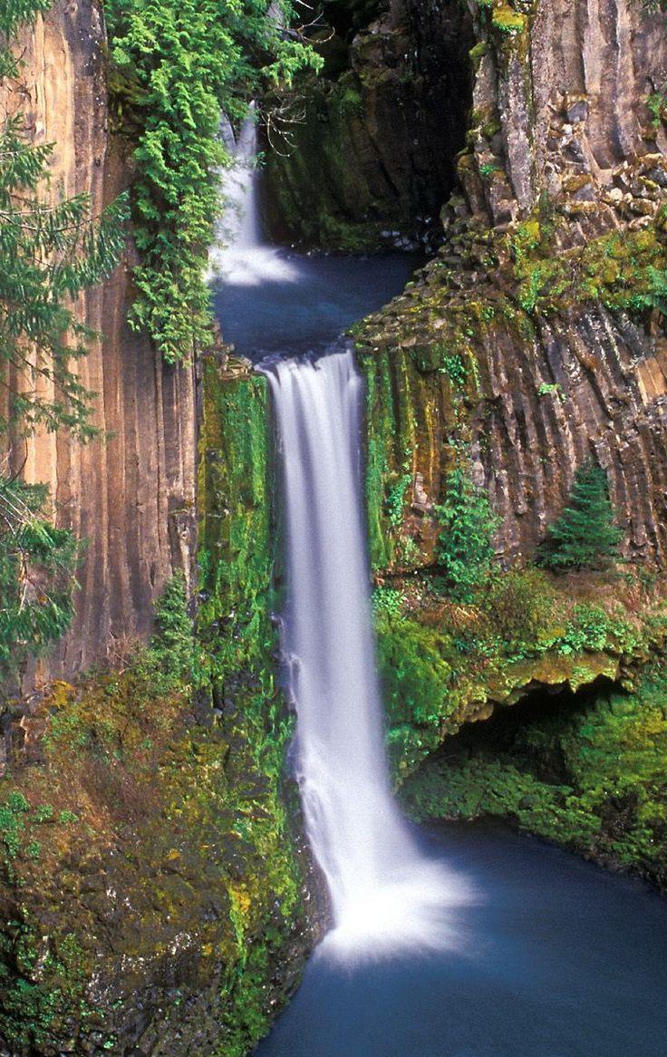 Toketee Falls In Douglas Oregon United States