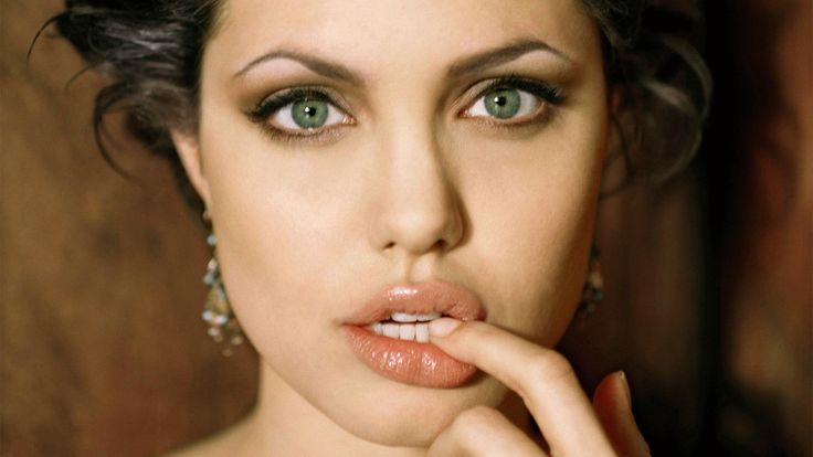 New Angelina Jolie Wallpaper View Wallpapers RiseWLP