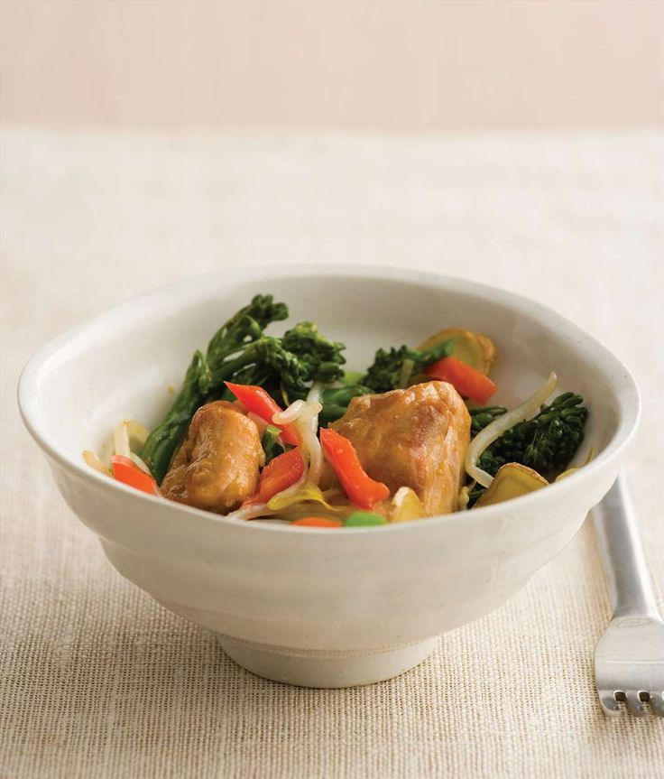 Stir-fried chicken thighs with broccolini by Gabriel Gaté from Recipes for a Great Life | Cooked