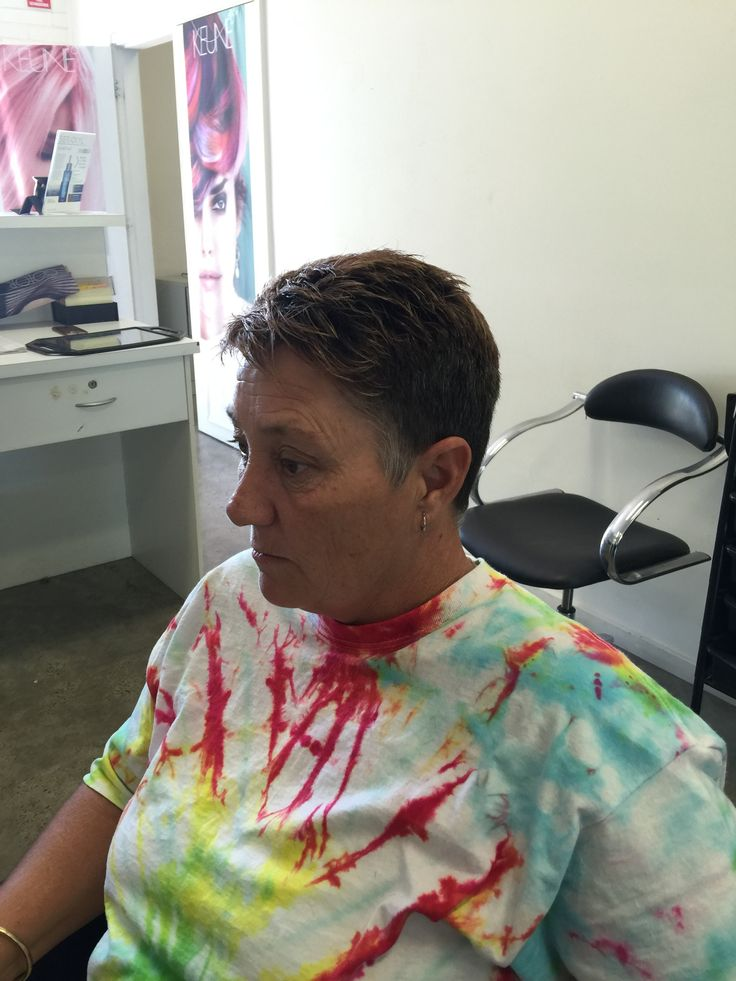 Uniform/graduation hair cut