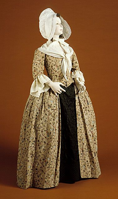LACMA  England  Woman's Robe à l'Anglaise (Close-bodied Gown), Textile: 1770s-1780s; Constructed: late 1780s  Costume/clothing principle attire/entire body, Printed cotton, Center front length: 56 in. (142.24 cm); Center back length: 55 in. (139.7 cm)  Costume Council Fund (M.81.135.2