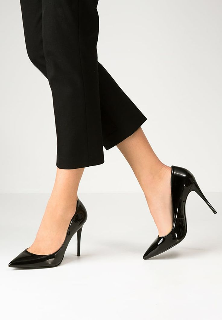 como parecer mas delgada con zapatos de tacones