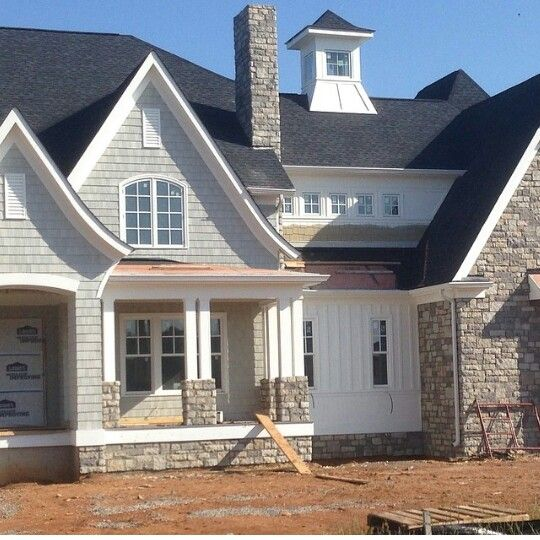 Best 25 french country exterior ideas on pinterest for Craftsman homes with stone