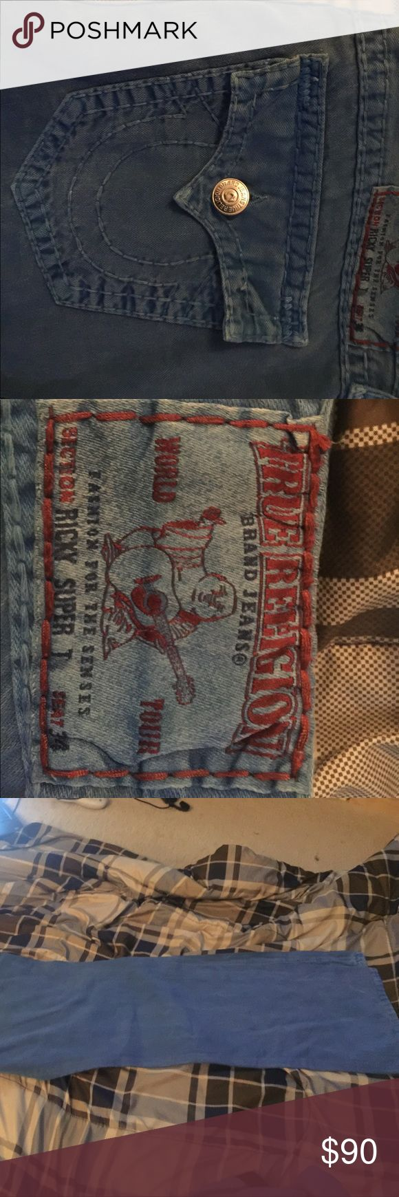 """True Religion Ricky Straight Super T Jeans 100% Real...5 pocket construction....Zip fly with Button closure...99% cotton 1% elastane...17.5"""" Leg Opening True Religion Jeans Straight"""