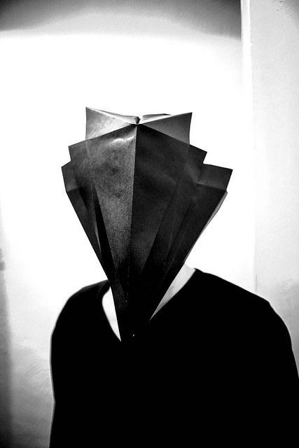 benkoa // paper mask // 200g black paper mat // clip video j-flows tweak // london // tweakproject.com/