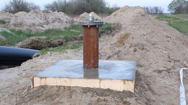 Számos módon elvégezhető a kútfúrás.  http://kutfuro.eu/