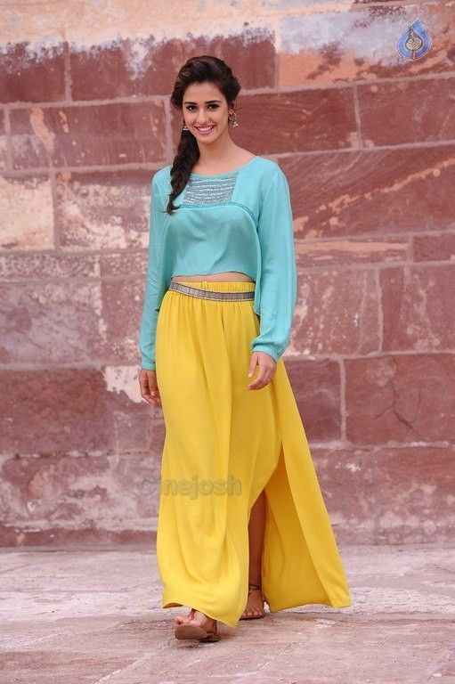 Disha Patani New Pics - 13 / 26 photos