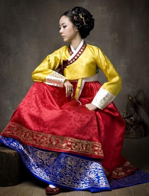 Hanbok / South Korean dress