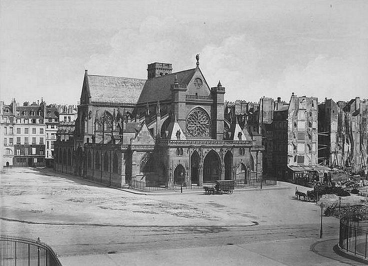 place - Paris 1er La place du Louvre et l'église Saint-Germain-l'Auxerrois en 1858, avant la construction de la mairie du 1er arrondissement et de son beffroi. Une photo d'Edouard Baldus.