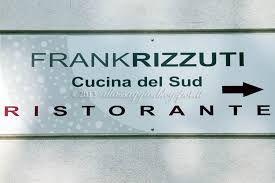 l'ingresso del ristorante di Frank Rizzuti