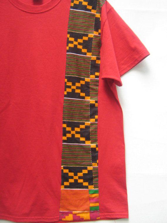 Shipella mannen Kente gestreept T - Shirt  Dit katoenen T shirt voegt precies de juiste hoeveelheid kleur om uw stijl en trots te tonen.  Limited Edition.  Dit shirt is ook beschikbaar in Heather grijs XL en groot alleen  Maattabel:  Klein: Breedte 36 lengte 28 Medium: Breedte 41 L 29 Groot: breedte 44 L 30 XL: breedte 48 L 34 2XL: breedte 52 L 32 3XL breedte 56 L 33 4XL breedte 60 L 34
