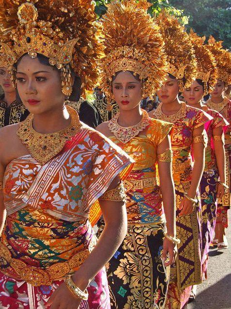 ANNA SUI inspiration - Balinese Women