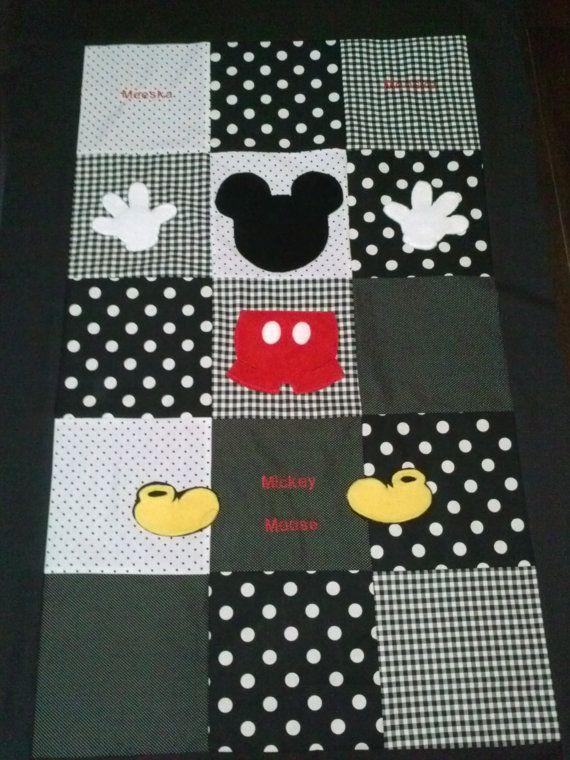 Mickey Mouse Clubhouse niño/cuna edredón por BetsysBabyBoutique19
