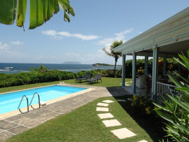 Quiet, facing the sea, away from mass tourism while staying close to everything, this villa is ideal for complete relaxation under the tropical sun. The large covered terrace is the meeting point of this villa. ...