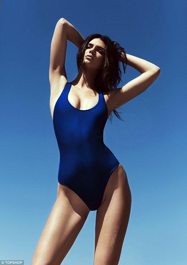 2077 best maillots de bains images on pinterest swimming for Salle de bain kylie jenner