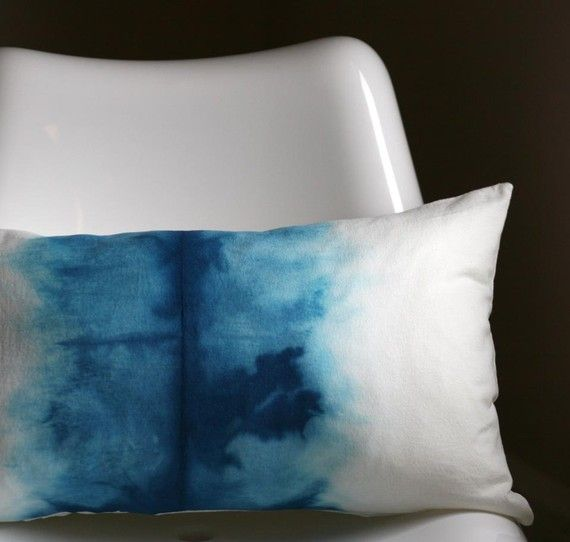 dip fabric in dye and then fold in half? Not sure how to do this but its stunning