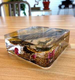Resin Paperweights using polyester casting resin
