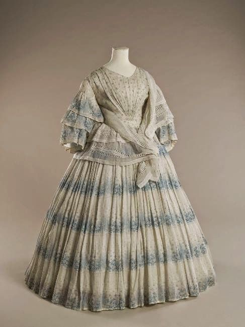 In the Swan's Shadow: Printed cotton summer dress, 1855-58    Civil War Era Dress