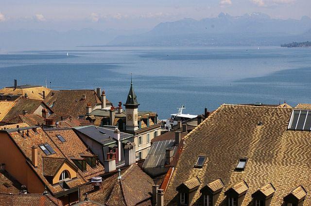 Mniejsza ilość migrantów napływających z UE odcisnęła swoje piętno na szwajcarskim rynku nieruchomości. Korzystne oferty to jednak wciąż rzadkość.
