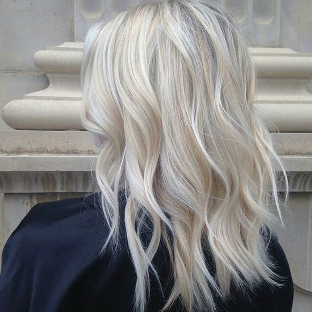 Vanilla Ice ... :) By @jenna.giansanti #behindthechair #blonde #blondehair
