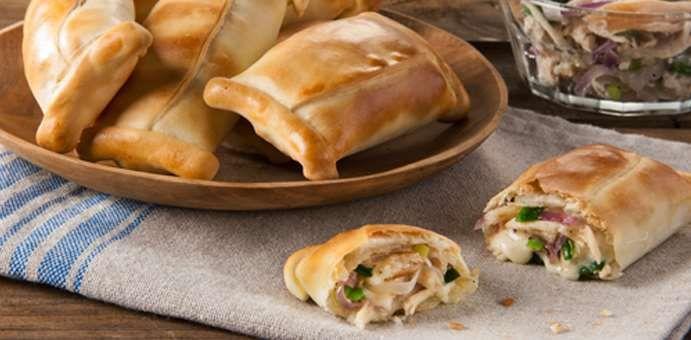 La Salteña - Paquetitos de pollo, queso y cebolla