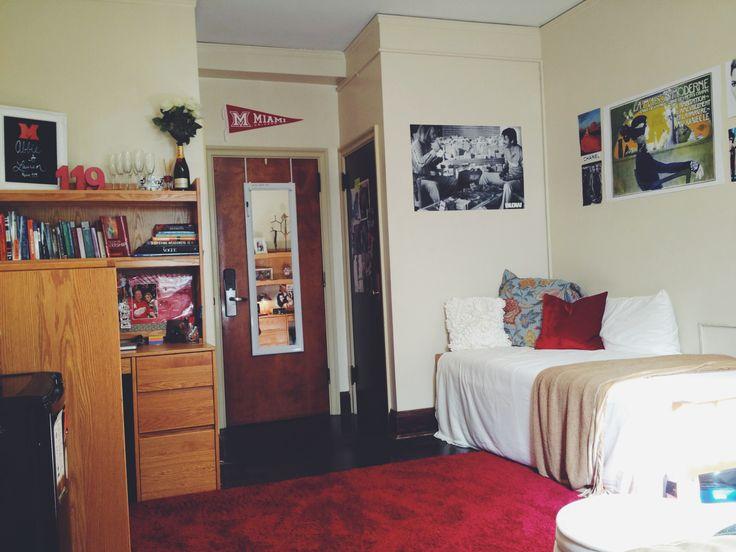 Cozy eclectic college dorm decor at Miami University