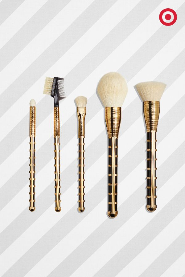 Sonia Kashuk's holiday makeup brush set will let you, or the beauty lover in your life, look glam while getting glammed up. Golden!