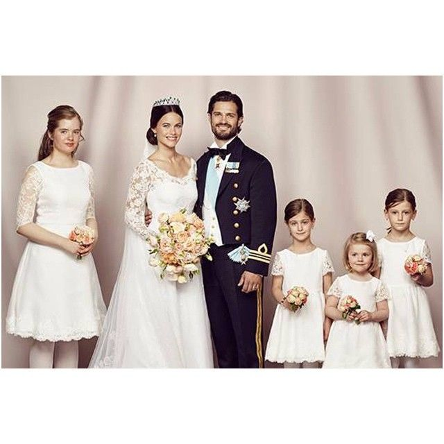 Official photos of Prince Carl Phillip and Princess Sofia w their flower girls #princess #princesssofia #prisessansofia #prinscarlphillip #wedding #june #13 #sweden #kungahuset #royal #royalty #royallady #royalfamily #family #palace #cake #love #truelove #fairytale #princesssofiaofsweden #Stockholm #prinsessansofia #official #picoftheday #heart #flowergirls #princessestelle #prinsessanestelle