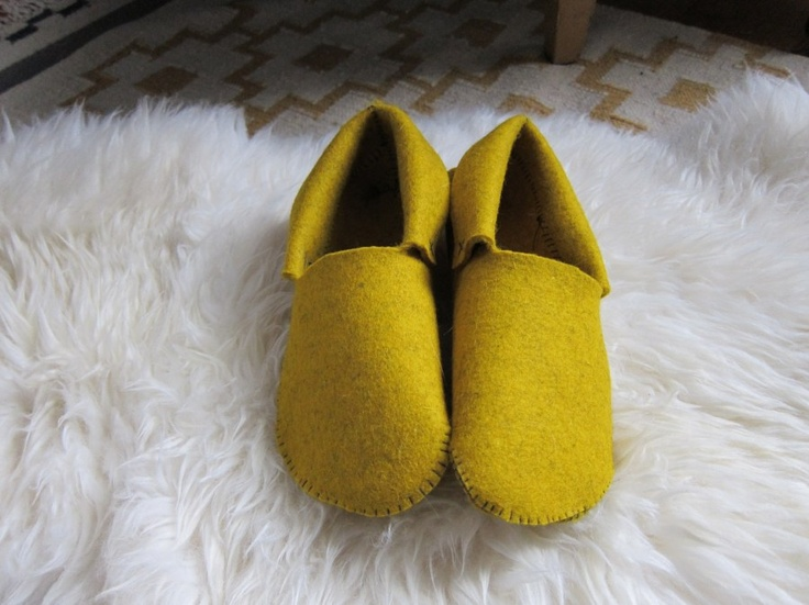 Sewn Felt Slippers «