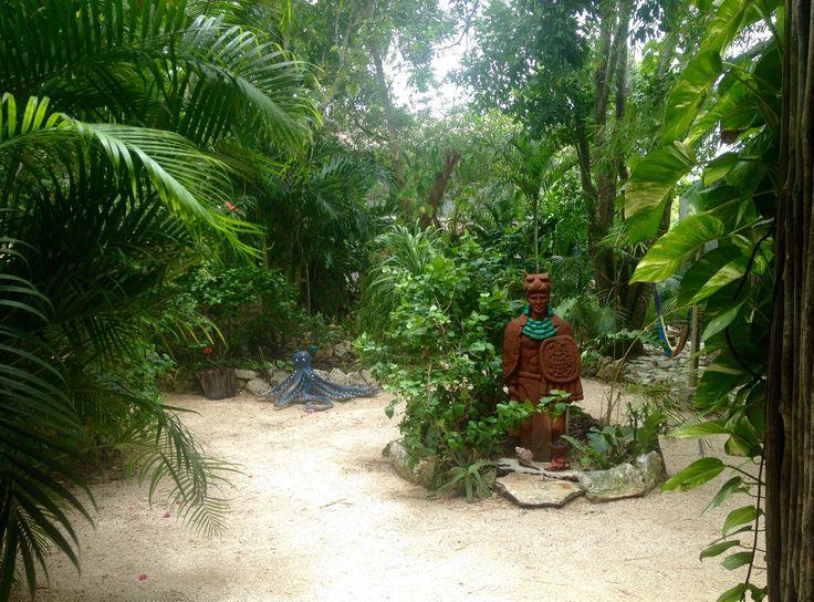 Hotel El Jardin de Frida, Tulum: 6 Bewertungen, 144 authentische Reisefotos und Top-Angebote für Hotel El Jardin de Frida, bei TripAdvisor auf Platz #8 von 105 sonstigen Unterkünften in Tulum und mit 4,5 aus 5 bewertet.
