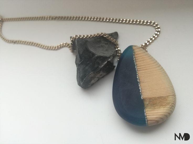 Epoxy Jewelry, pendant. Wood and epoxy. Beginnings.