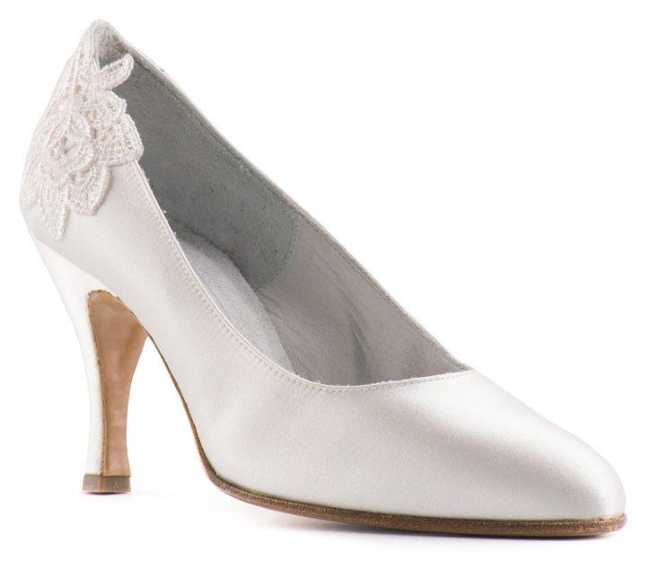 DECOLLETE' #AVORIO  1083_80/3 scarpe da #sposa ----- #IVORY COURT 1083_80/3 #bridal shoes ----- #Paoul #wedding #matrimonio