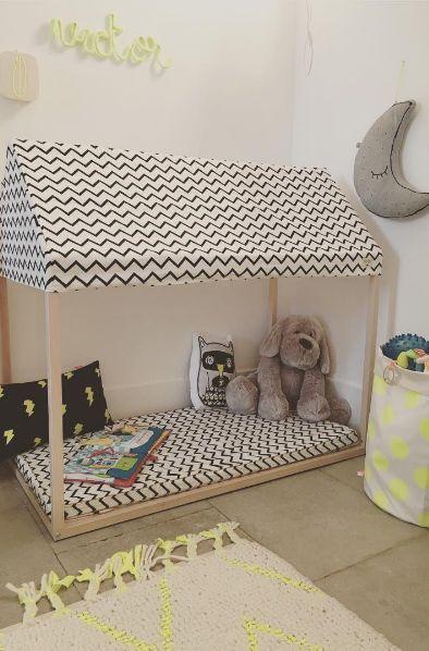 Rincón de juegos o lectura moderno y original con cabaña de tela y colchoneta - Minimoi (@choupie_l)
