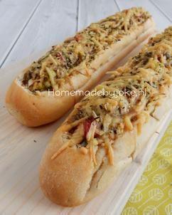Gevuld stokbrood met gehakt. Het recept voor dit heerlijke gevulde stokbrood staat op mijn blog Homemade by Joke.