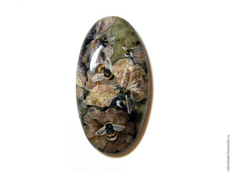 Купить Шмели на чароите - чароит кабошон, чароит натуральный, фиолетовый, лиловый, шмель, насекомое, лето