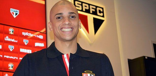 É a vez do SPFC! O Sr Olhão @guimisantos avalia os reforços do time para 2015.   http://www.ricaperrone.com.br/sr-olhao-avalia-reforcos-do-spfc/