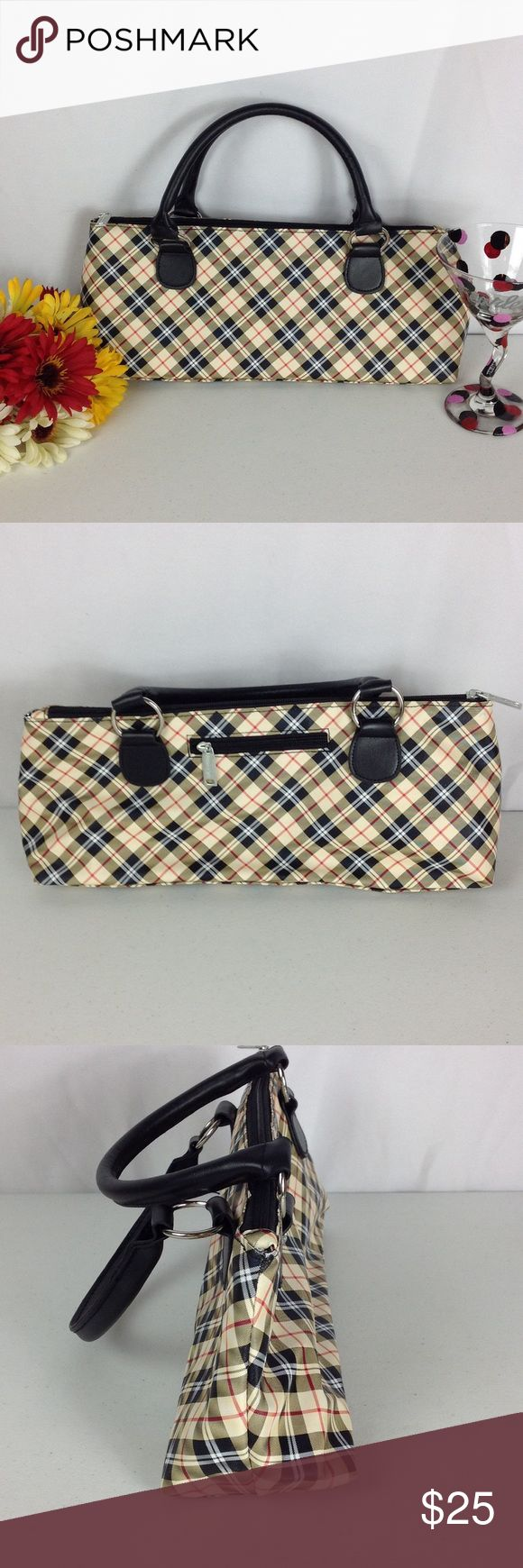 EUC Primeware Insulated Wine Purse Plaid This beautiful purse is in excellent pre-owned condition. This awesome wine purse/cooler measures 14in x 6in x 4in and features an insulated lining. All reasonable offers will be accepted. Primeware Bags #WinePurse