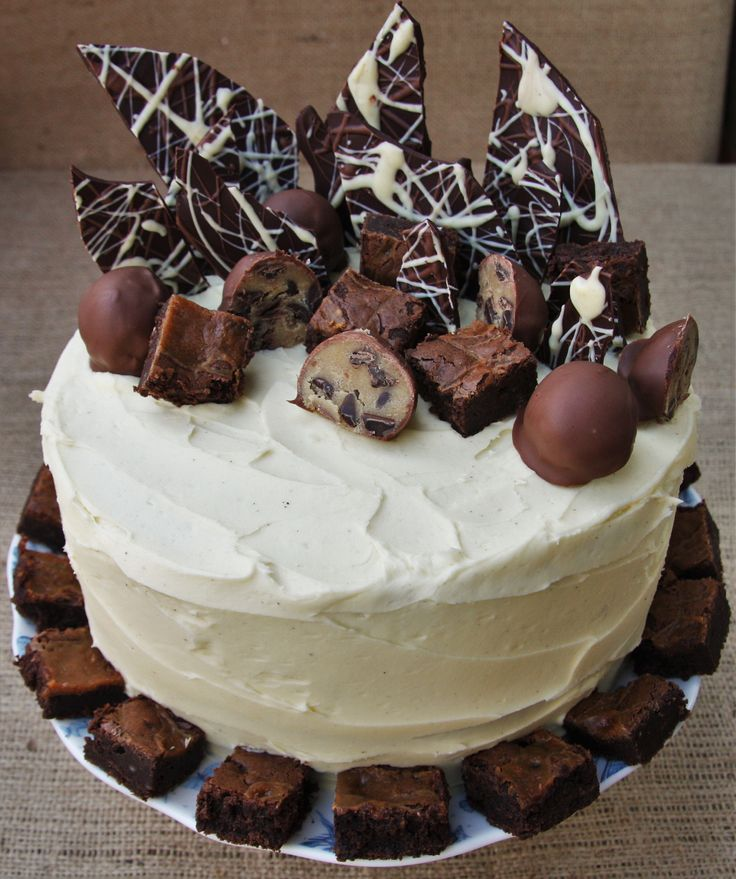 'It's my birthday and I'll eat cake if I want to!!!' Anyone fancy a slice? Lainey x