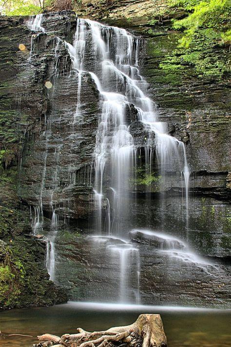 September 25, 2016. Anyang Art Park Artificial Waterfall ...