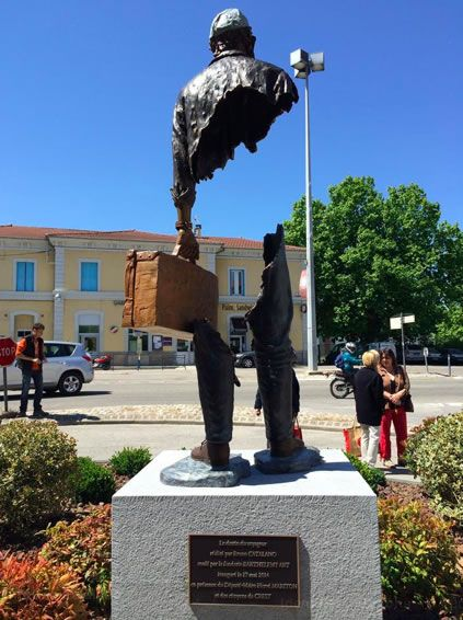Crest, Drôme, France. Sculpture Bruno Catalano