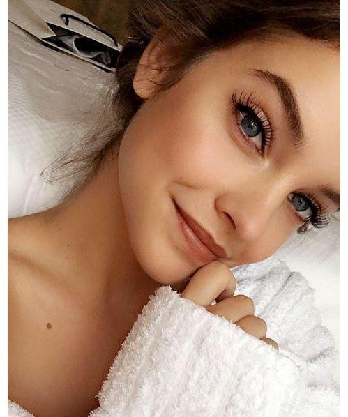 Inspiration make-up : Barbara Palvin blush cils XXL