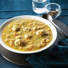 Green Split Pea Soup with Chicken Meatballs (Grønn Ertesuppe med Kyllingkjøttboller)