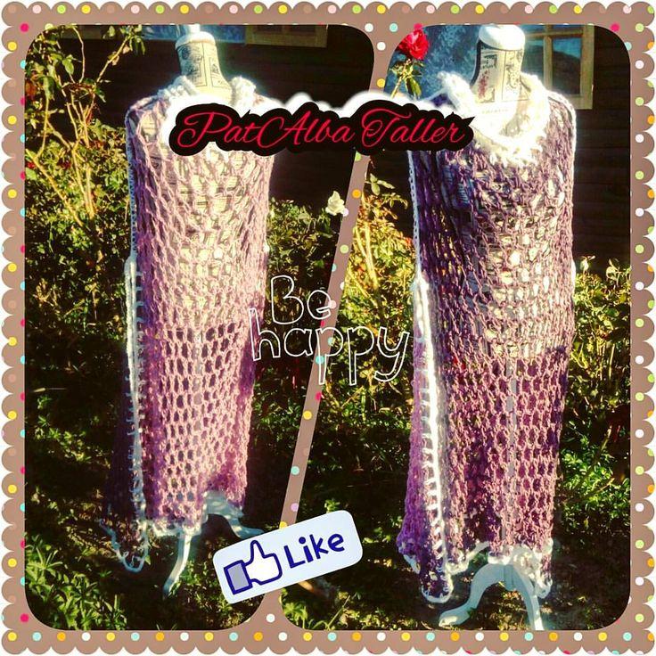 En los días de otoño nunca se sabe cuando saldrá el sol x eso estos ponchos calados son ideales para mantenerte calentita sin exagerar....J'adore😍👌😉 #patalbataller #diseñodeautor #emprendedora #artesana #tejidos #confecciónapedido