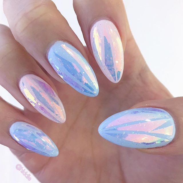 GORGEOUS Festival Nail Trends Inspiration! So holographic and so colourful! We LOVE here at www.throwbackannie.com!! Unicorn inspiration nail art So glittery and sparkly! Amazing street style ideas! Imagine this Korean nail trend at Coachella, Bestival and V Fest