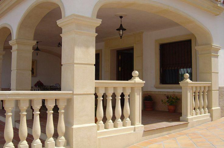 Molduras de piedra para decoración de casas y chalets.