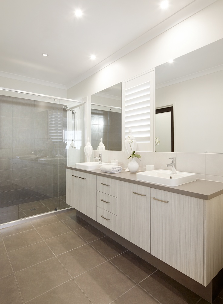Bathroom - sinks, counter, two toned